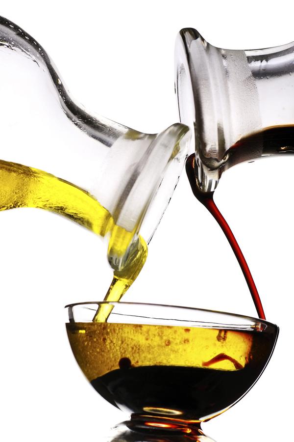 balsamic vinegar and olive oil dressing traditional italian