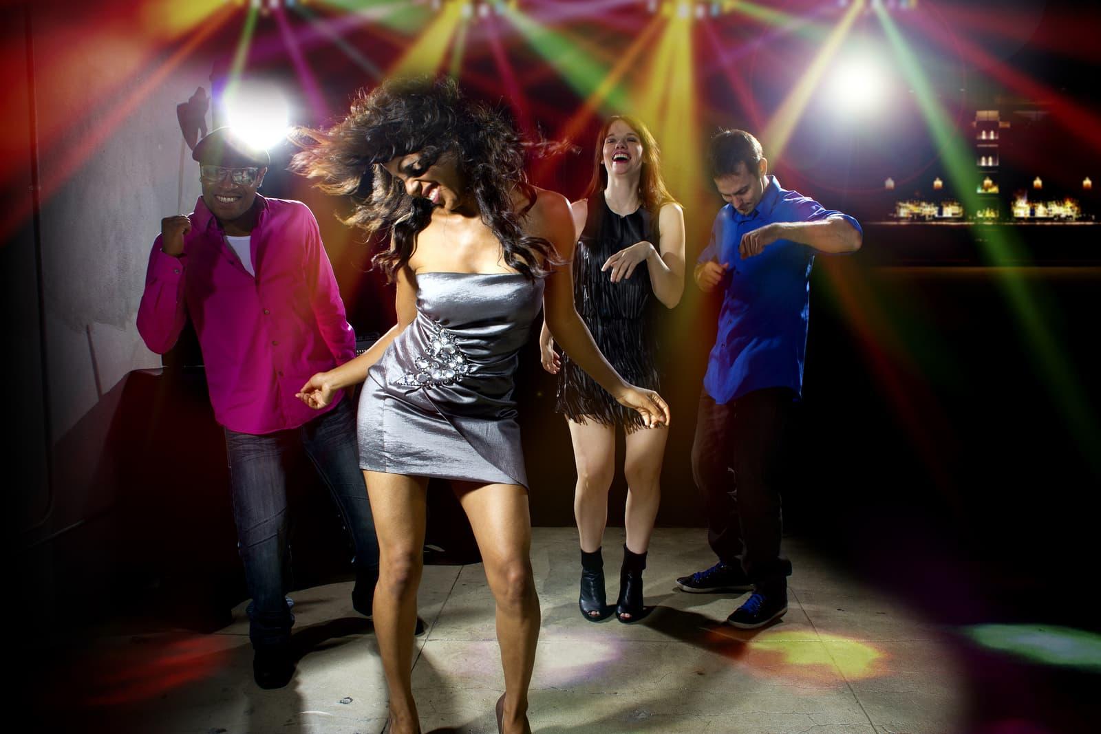 Как поразить девушку на дискотеке